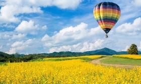 Hőlégballonozás az Őrség felett! 4 nap 2 vagy 4 főnek, bőséges reggelivel, jól felszerelt, kényelmes parasztházikókban, a Kerca Biofarmon 24-55% kedvezménnyel