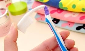 1.490 Ft helyett 1.190 Ft: Nano szilikonos fogkefe, 2 db pótfejjel a BellaViva-tól