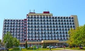 Nyaralj a Hotel Ezüstpartban, Siófokon: 3 nap 2 éj két főre bővített reggelivel, wellness használattal 43-46% kedvezménnyel