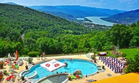 94.000 Ft helyett 69.900 Ft: Nyár a Silvanusban! 3 nap 2 főre svédasztalos reggelivel és vacsorával, uszoda- és wellness használattal, standard prémium szobákban a visegrádi négycsillagos Silvanus Konferencia és Sport Hotelben