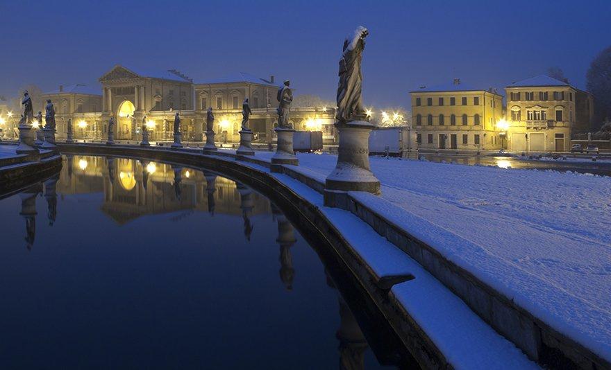Köszöntsd az új évet Velencében: buszos utazás 3 éj szállással, reggelivel, látogatással Padovába és fakultatív kirándulással Trevisóba, 1 fő részére