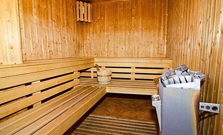 Magas-Tátra télen-nyáron: szállás 2 éjszakától 2 felnőtt részére félpanziós ellátással, jakuzzi és szauna használattal, borbekészítéssel és páros belépőkkel helyi atrakciókra - extra hosszú felhasználhatósággal!