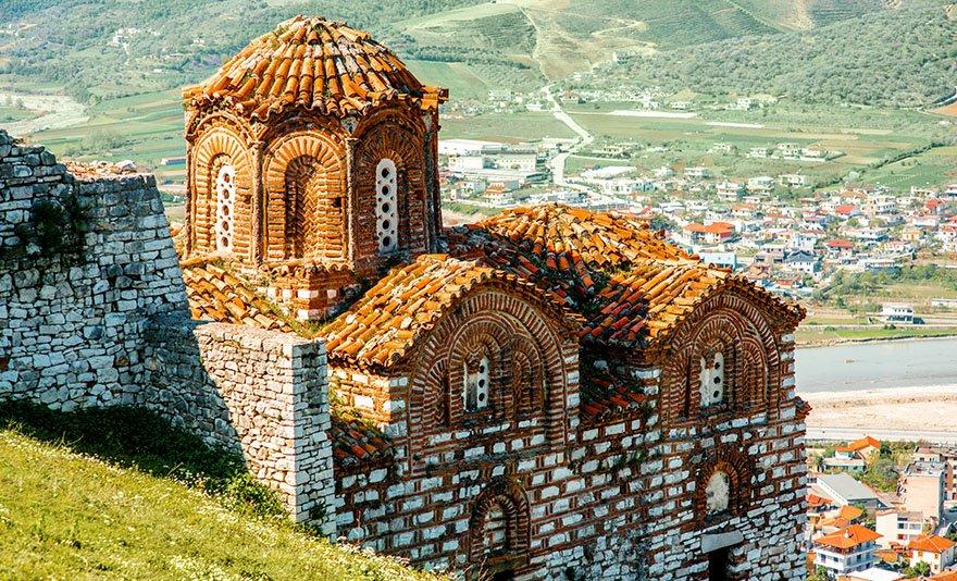 A XIII. századi alsóörsi templom falán ismeretlen freskót tártak föl.