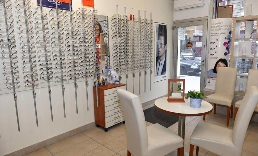 Speciális clip-on szemüveg: egy pár lencse, polarizált mágneses előtéttel, választható kerettel és látásvizsgálattal
