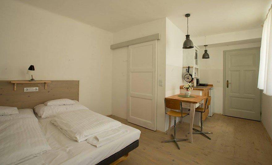 Wellness, városnézés, kiváló borok és barokk időutazás: 3 nap 2 vagy 4 fő részére Eger belvárosában, a Török Fürdő és a vár közvetlen szomszédságában, vintage apartmanokban, hosszú felhasználhatósággal