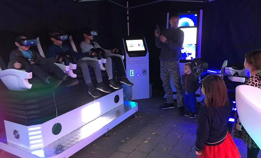 Lépj be a virtuális térbe! VR Galaxy belépőjegy 1 vagy 2 főre, vagy családi jegy, frissítő üdítővel