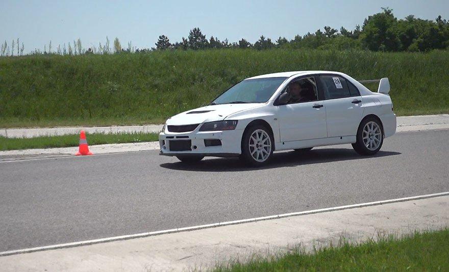 Aranyérmes életérzés: Mitsubishi EVO VII Rally élményvezetés