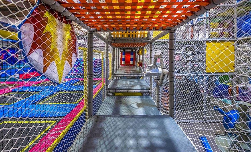 A legújabb trambulin őrület: 1 vagy 2 órás belépőjegy a budakalászi Skyland Trambulin - és Élményparkba