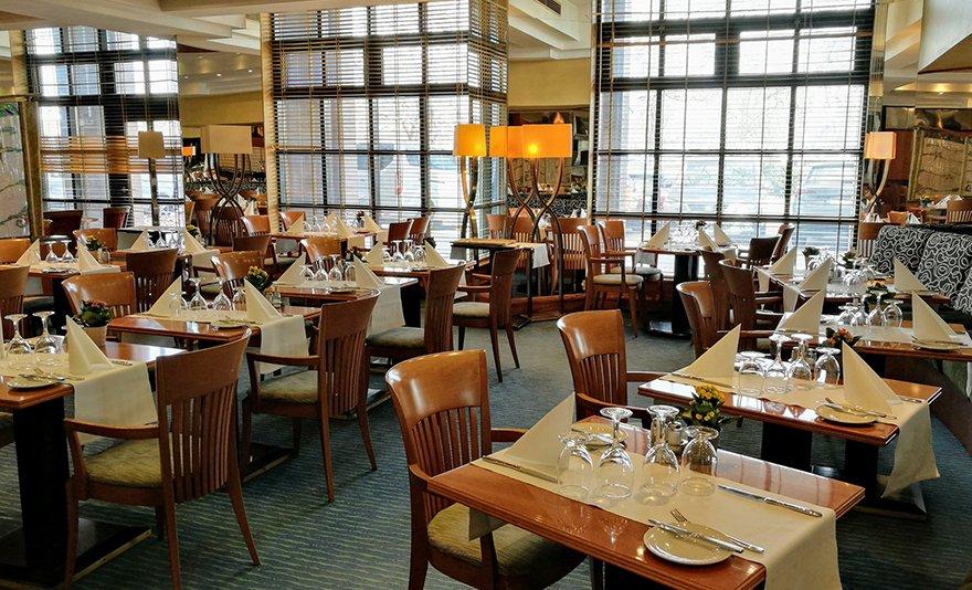 Egész napos spa- és wellness-kikapcsolódás à la carte vacsorával 2 fő részére, Óbudán a négycsillagos Aquincum Hotelben