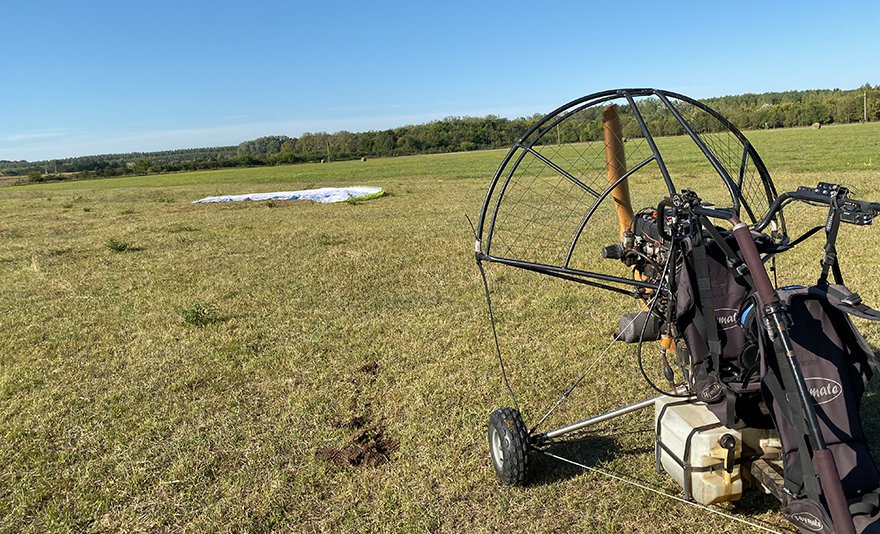 Hasítsd a levegőt: tandem motoros siklóernyőzés