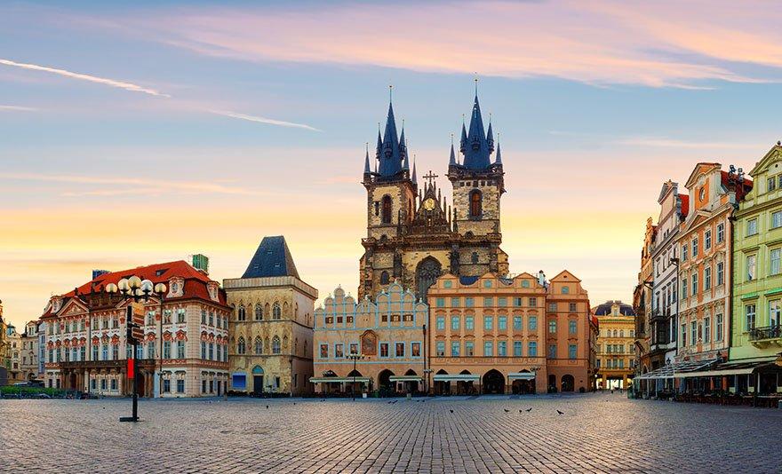 Fedezd fel Prágát magyar idegenvezetéssel: egynapos buszos utazás 1 fő részére profi idegenvezetéssel, hogy ne maradj le a főbb nevezetességekről