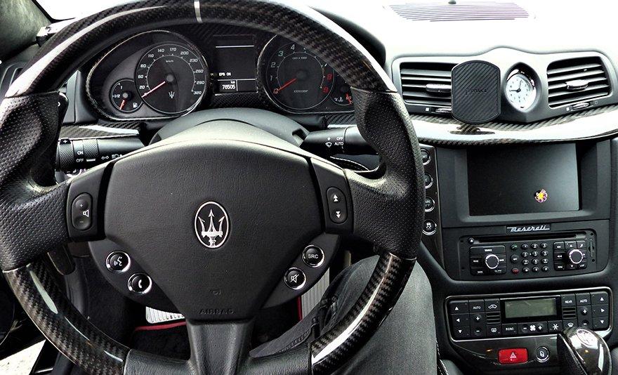 Bakancslistás élmény ajándékba: Maserati Granturismo vezetés a Kakucs Ringen