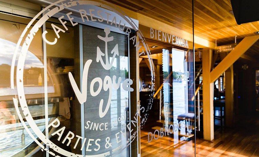 Gourmet lakoma: hazai ízvariációk a Dunán 2 fő részére, a Vogue Hajó Étteremben