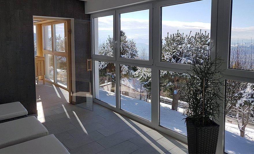 Téli síelés és wellness kikapcsolódás Ausztriában: 3 vagy 4 nap két főnek félpanzióval Karintiában, az Alpenhotel Ozon Wolfgruber szállodában