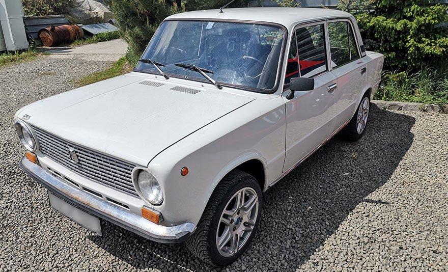 Nem a papa kocsija: Lada 1200 S élményvezetés a DRX Ringen belső kamerás felvétellel és ajándékkártyával