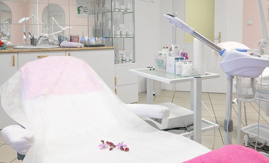 Karácsonyi csomag anyukáknak: arctípusnak megfelelő kozmetikai kezelés extrákkal